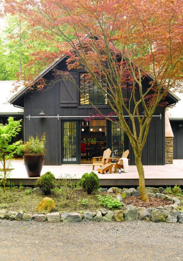 Pin By Holly Phillips The English R On Rustic Western Lodge Barn House Design Farmhouse Exterior Black House Exterior