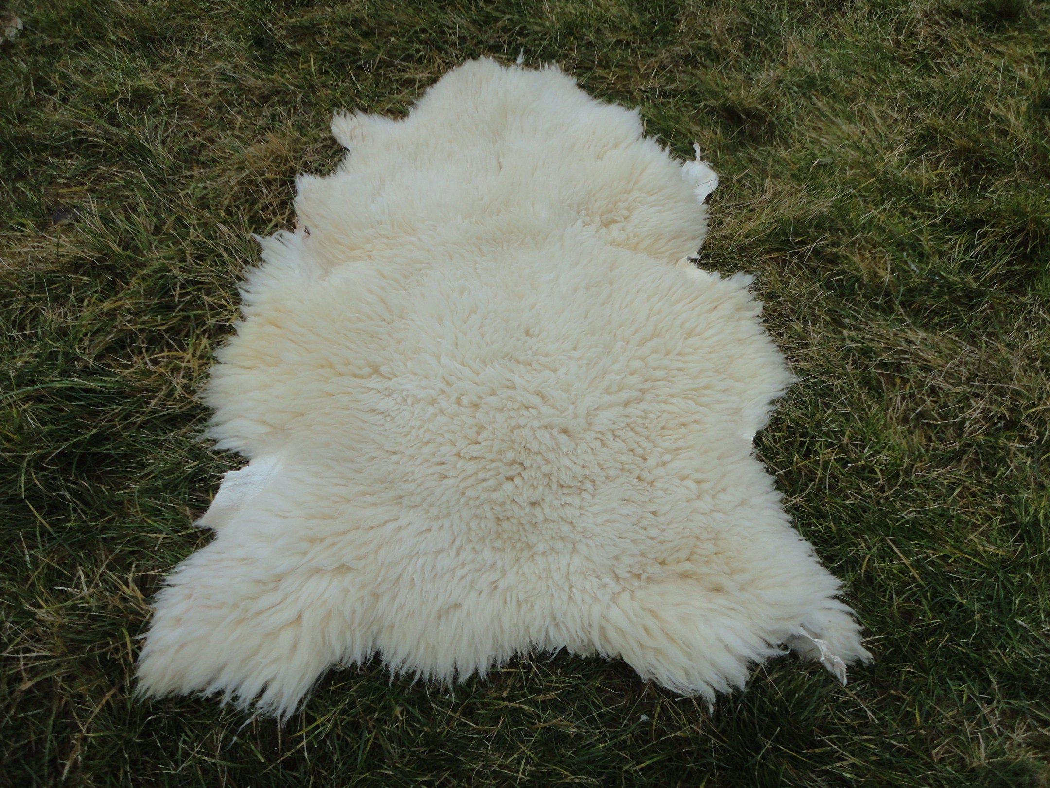 SheepSkin Rug,Natural sheep Skin Leather,Soft Animal Fur