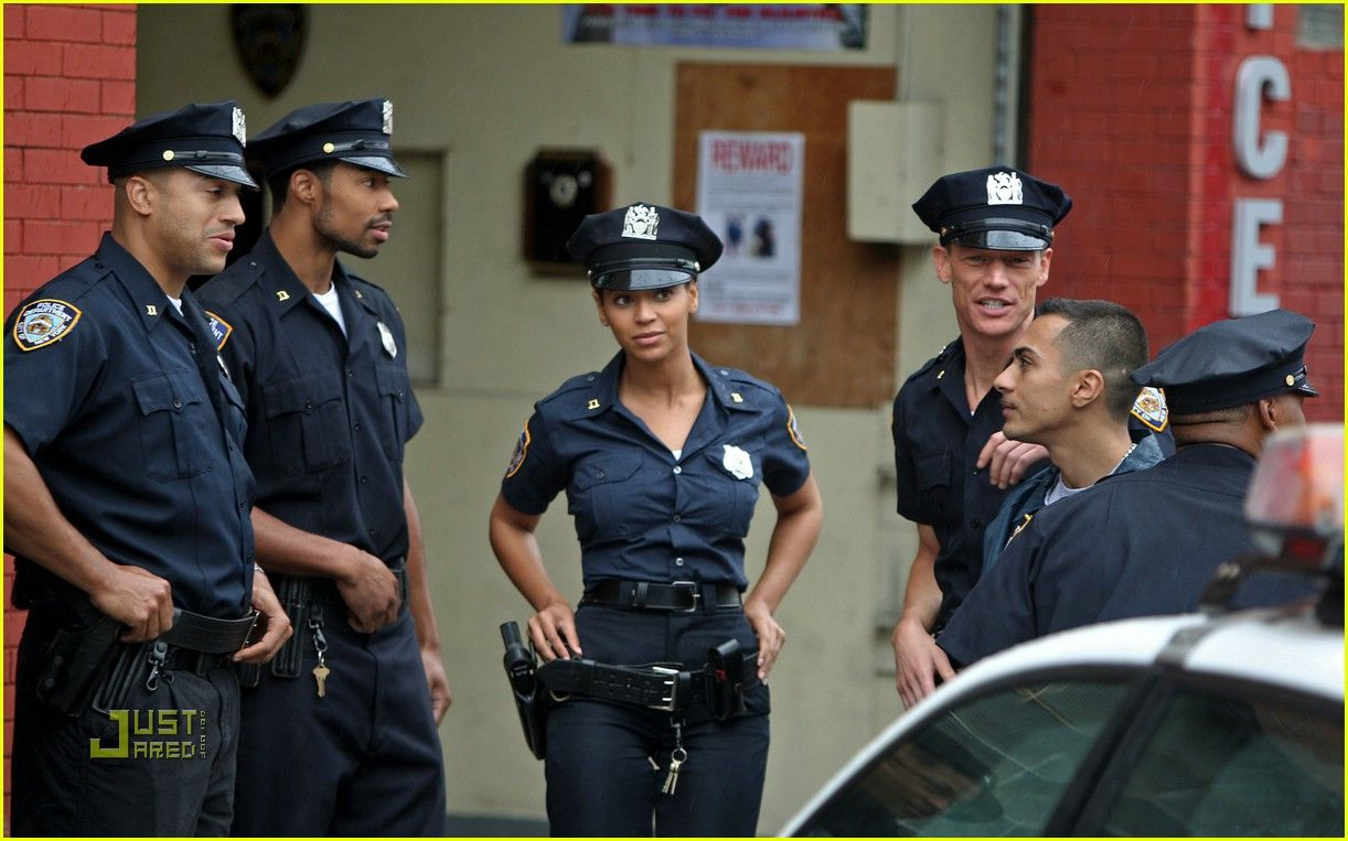 beyonce role plays police officer photo gee officer knowles beyonce lays the smackdown as new yorks finest playing an nypd police officer on the set of