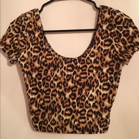 Nice Cheetah Print Crop Top Super cute Cheetah Print crop top. Forever 21 Tops Crop Tops