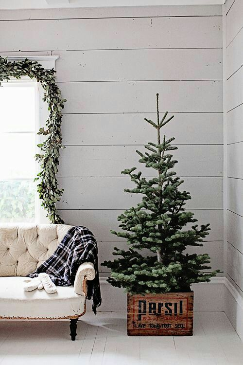 Pin by Charlean Starr on Christmas Trees Pinterest Christmas - how to decorate a small christmas tree