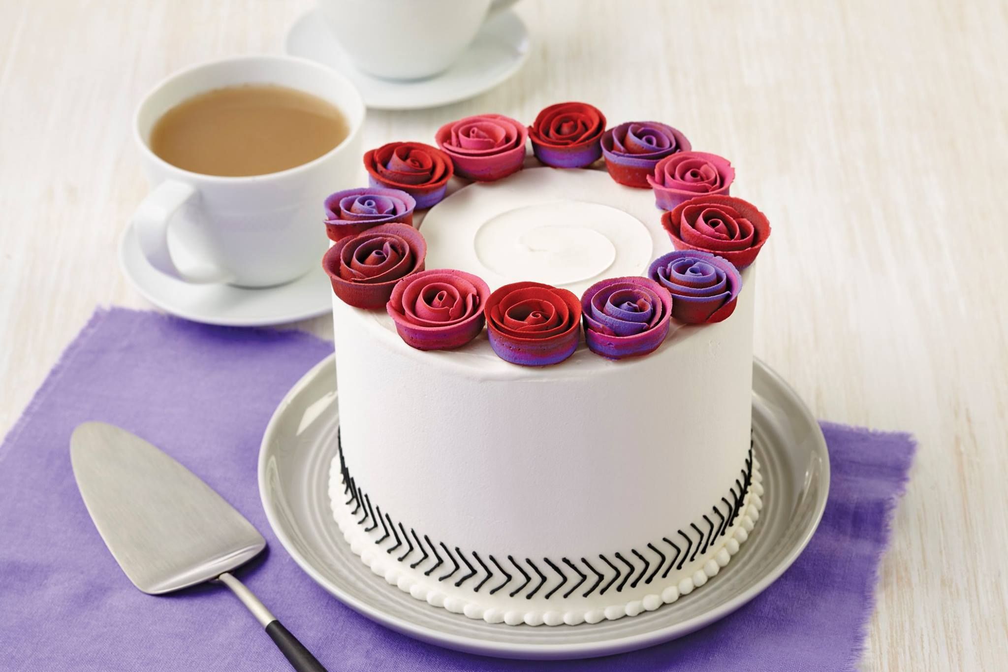 Learn how to decorate cakes and sweet treats with basic buttercream techniques and six simple-to-pipe flowers that transform ordinary cakes into extraordinary results. Sign up at @michaelsstores