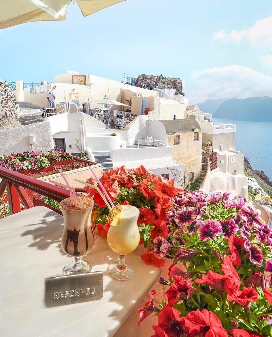 صباح الخير جزيرة سانتوريني اليونان Santorini Greece By Michutravel Wonderful Places Greece Pictures Santorini Greece