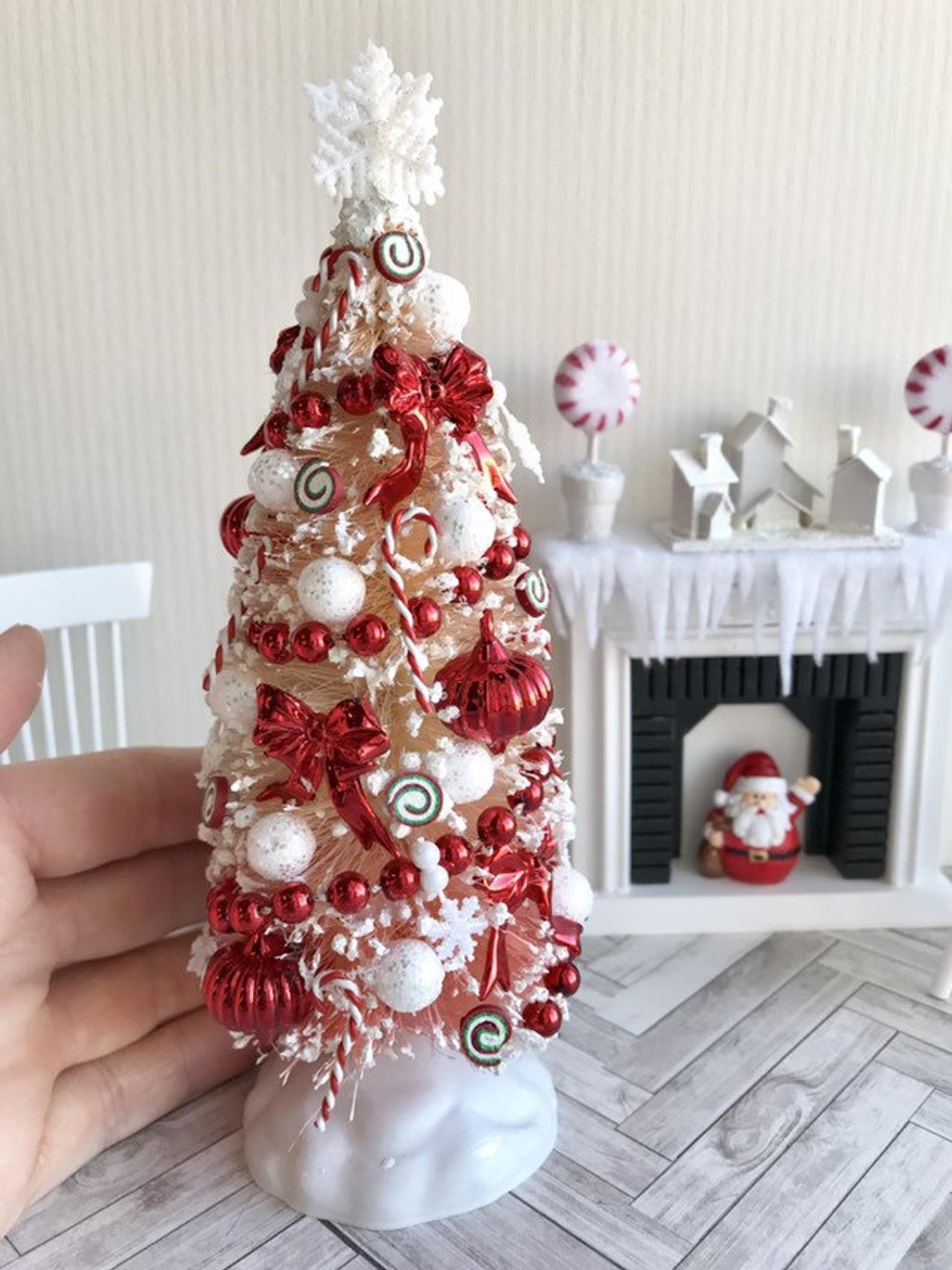 Christmas Miniatures.Miniature Decorated Christmas Tree Dollhouse Christmas Tree