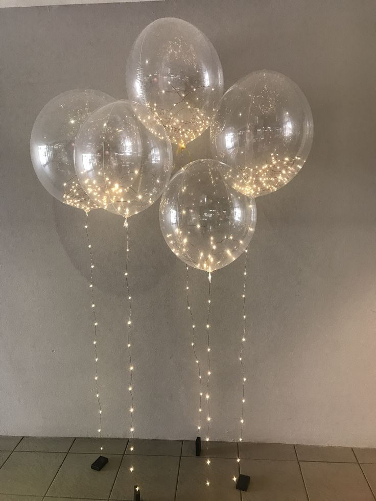 Light Decorations For Living Room: DIY Balloons And Lights Decor