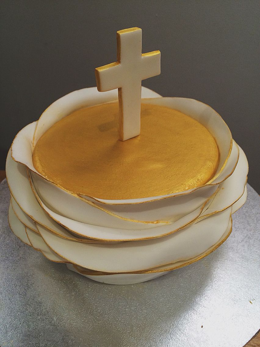Communion cake. Crucifix.