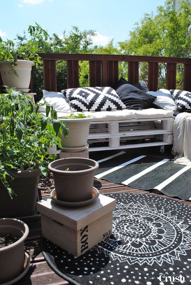 meuble de jardin en palette de bois terrasses balcons styl s pinterest decoration. Black Bedroom Furniture Sets. Home Design Ideas