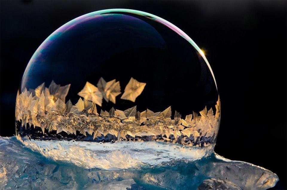 Forman cristales de hielo en las burbujas congeladas