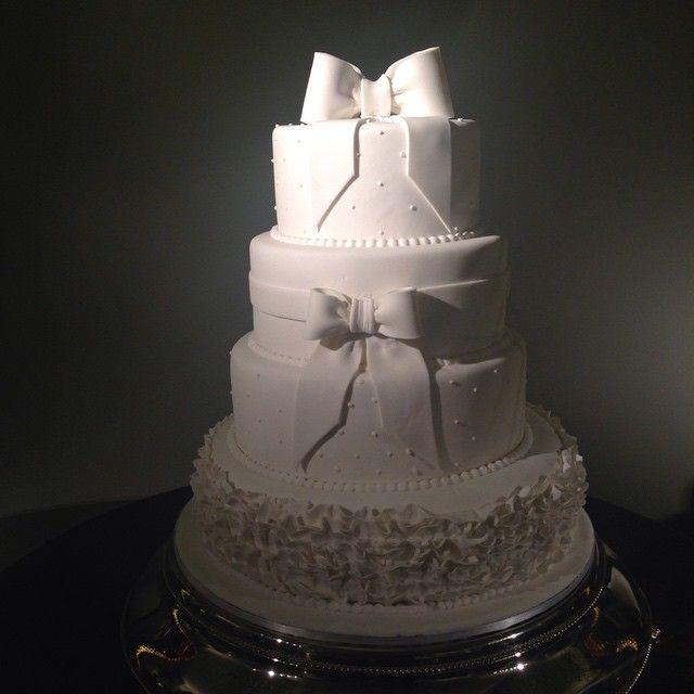 #licabolos #cake #amazing #wedding #classic #textile #flowers #brasiliancake #rj