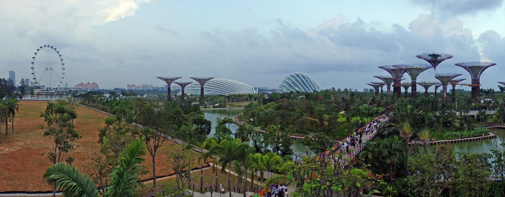 Climate Controlled Botanical Gardens By The Bay In Singapore Gardens By The Bay Botanical Gardens Urban Park