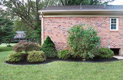 Landscaping Shrubs Around House : Landscaping around house corner yard