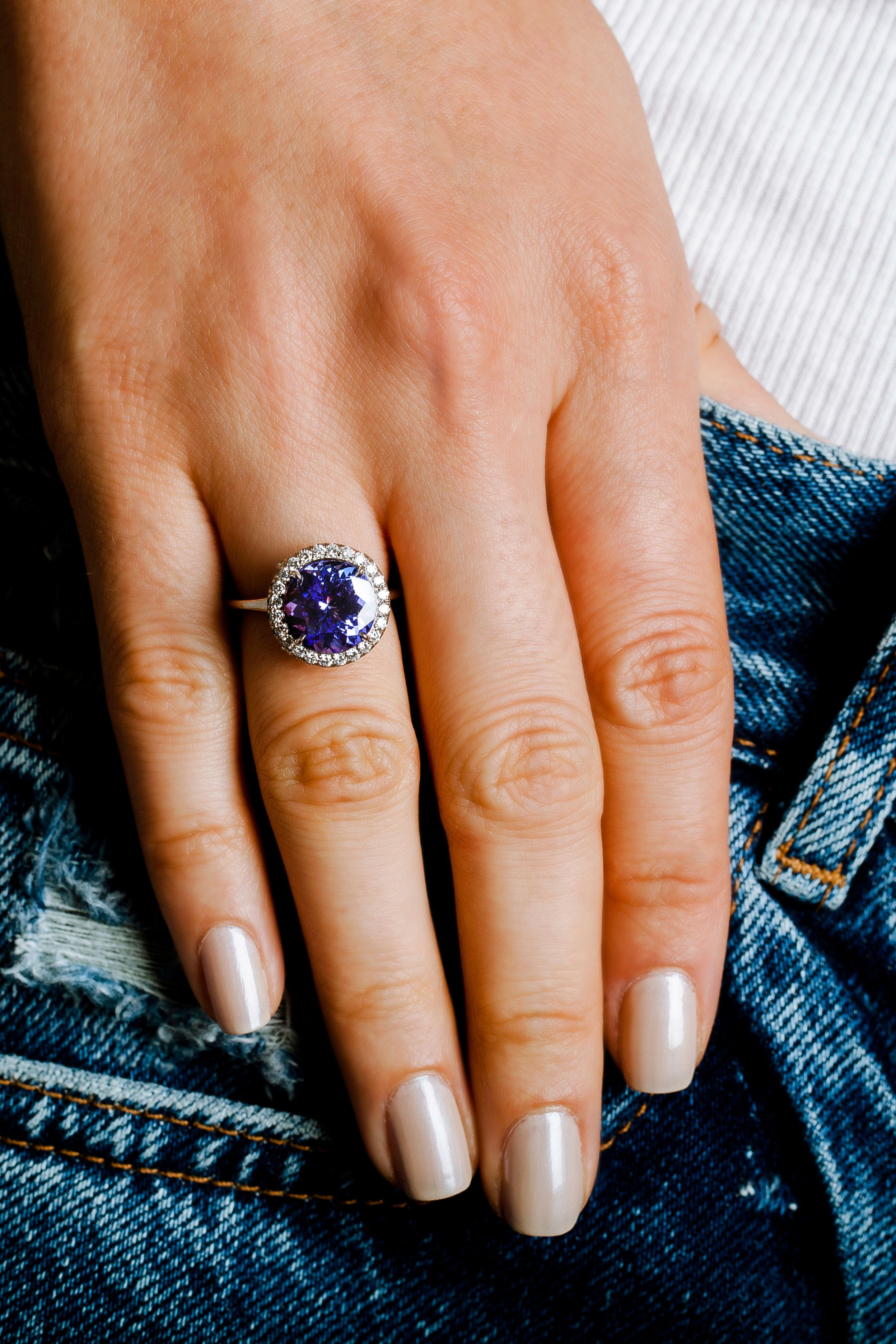 Sapphire engagement ring inspired by Princess Diana and