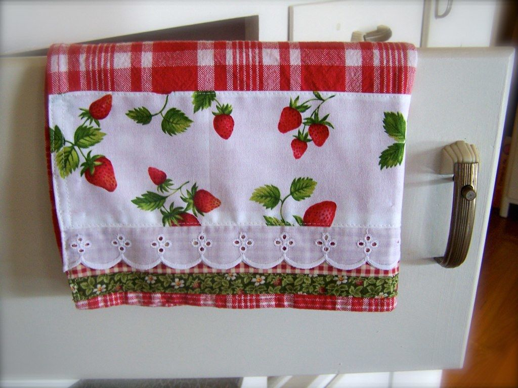 Strawberry Kitchen Decor This Tea Towel Decorative Towels In 2020 Rustic