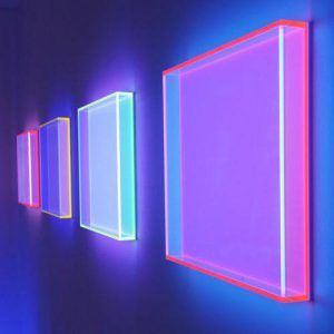 Acrylic Lightbox on Wall, Perspex Display com LED Box | All the