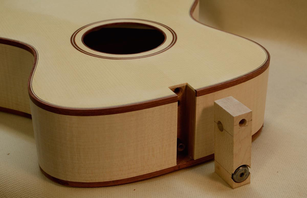 Cavins Tenor Guitar Part 5 The Closed Box And Carving The Neck Blog Www Benjaminle Org Tenor Guitar Guitar Parts Luthier Guitar