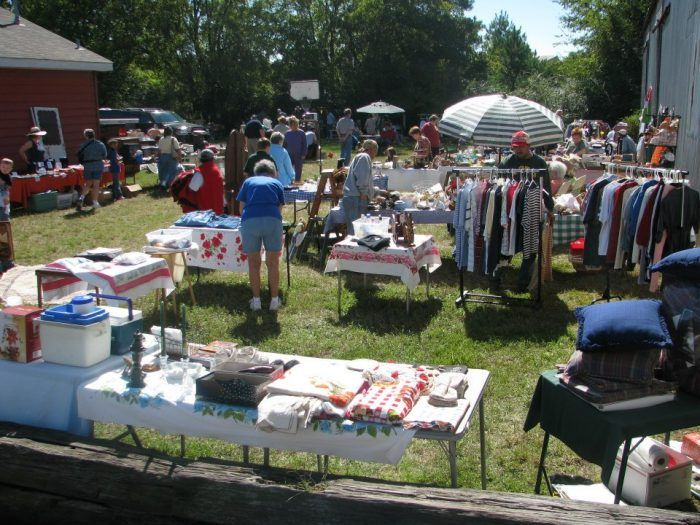 You Ll Absolutely Love This 100 Mile Yard Sale Going Right Through Louisiana Yard Sale Louisiana Longest Yard Sale