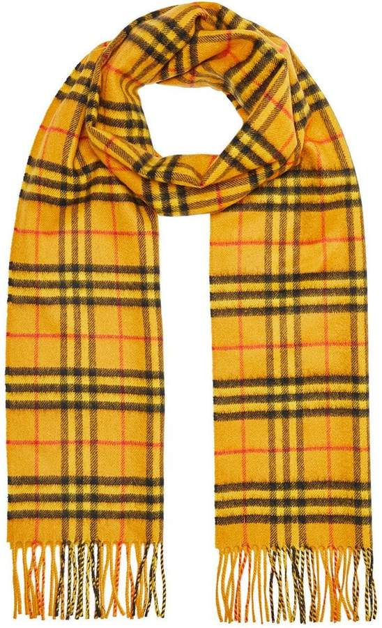 f9c4d0dcef105 Burberry The Classic Vintage Check Cashmere Scarf in 2018