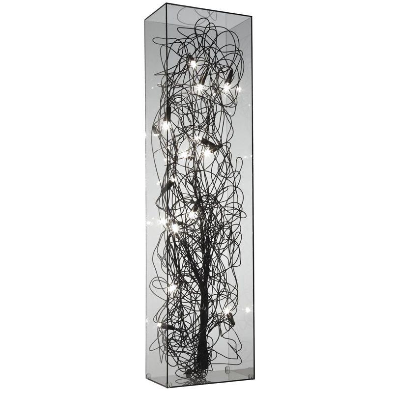 Chio- ligne roset                                           Illuminated box in transparent plexiglass and matt varnished aluminum. Supplied with 9 x 5W 12V G4 bulbs.
