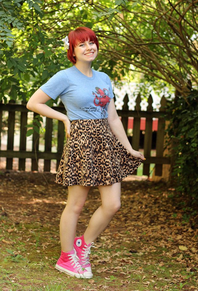 leopard skater skirt blue graphic t shirt pink