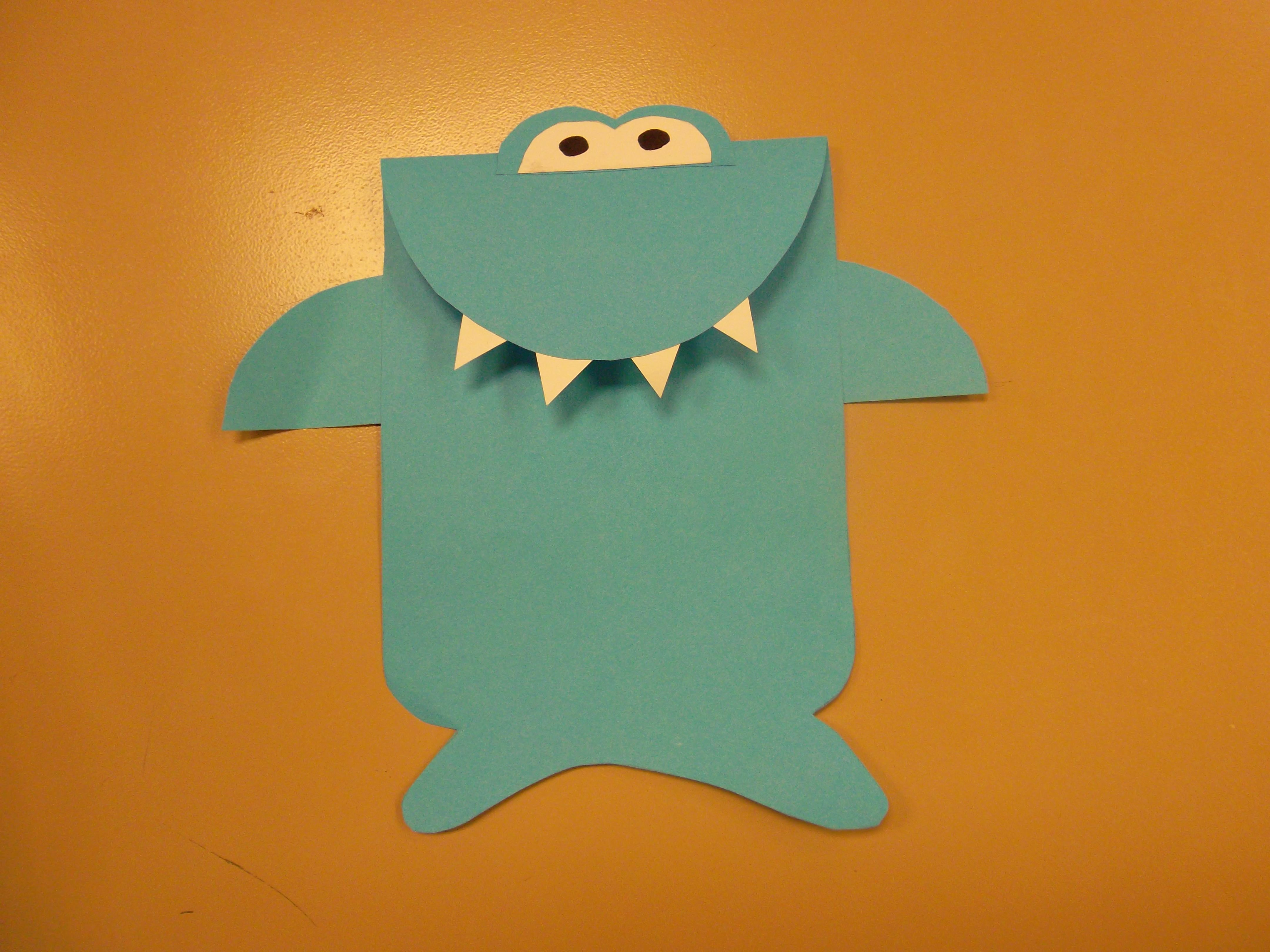 Shark craft made with the book Gilbert in Deep by Jane