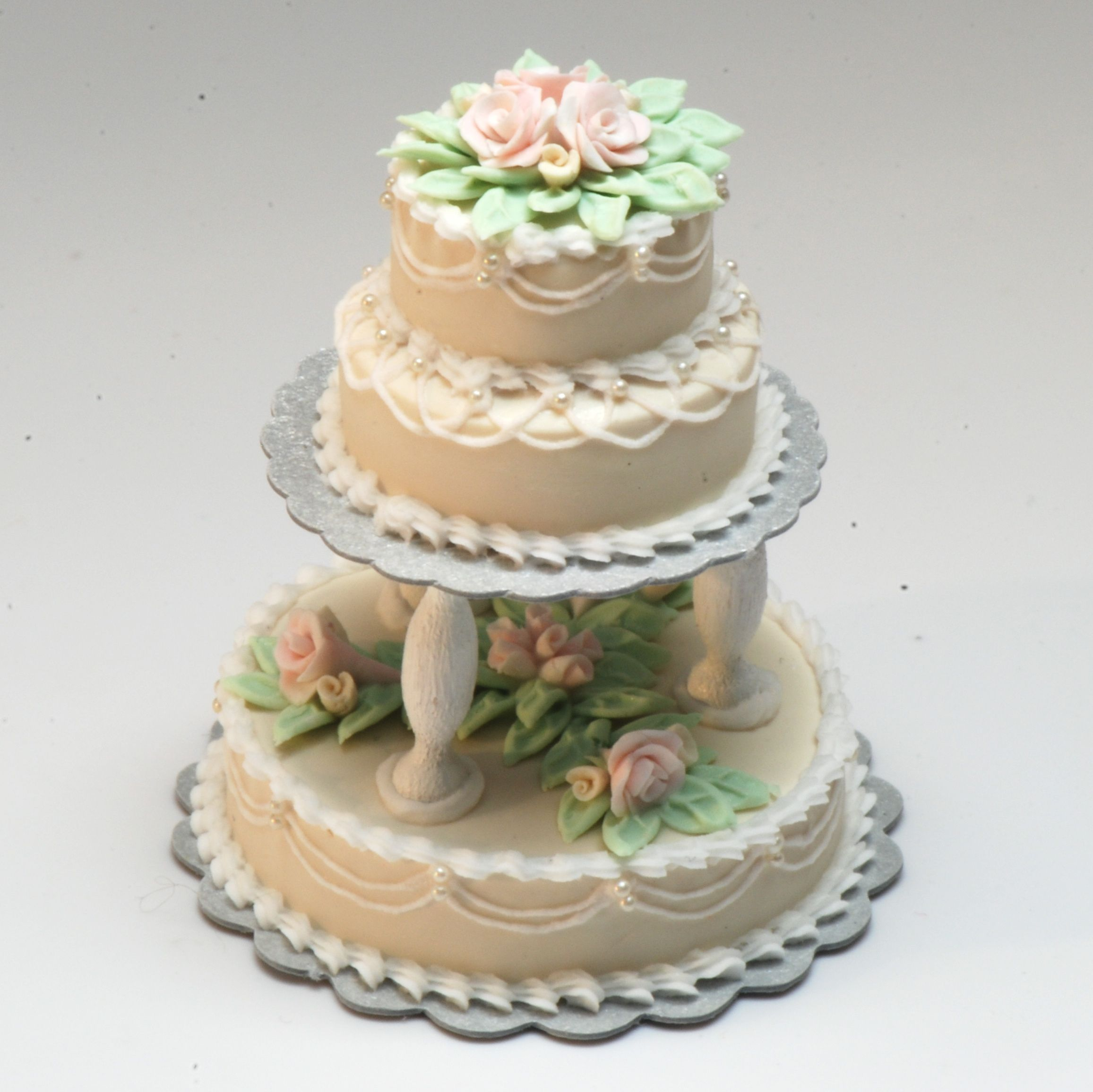 3 Tier Wedding Cake Make Cake Decoration And Cake Baking Easy With These Cake  Tins.