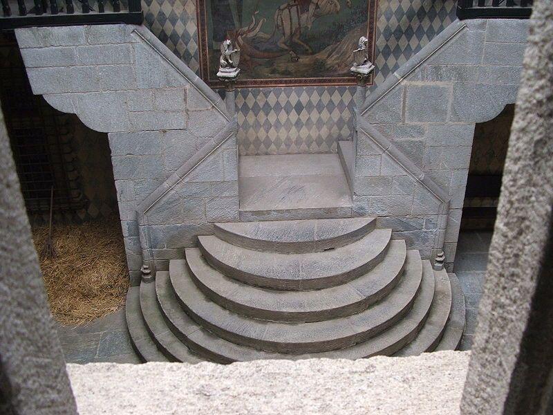 Torino-Parco del Valentino-Rocca medioevale-3 - Castello di Fénis - Wikipedia