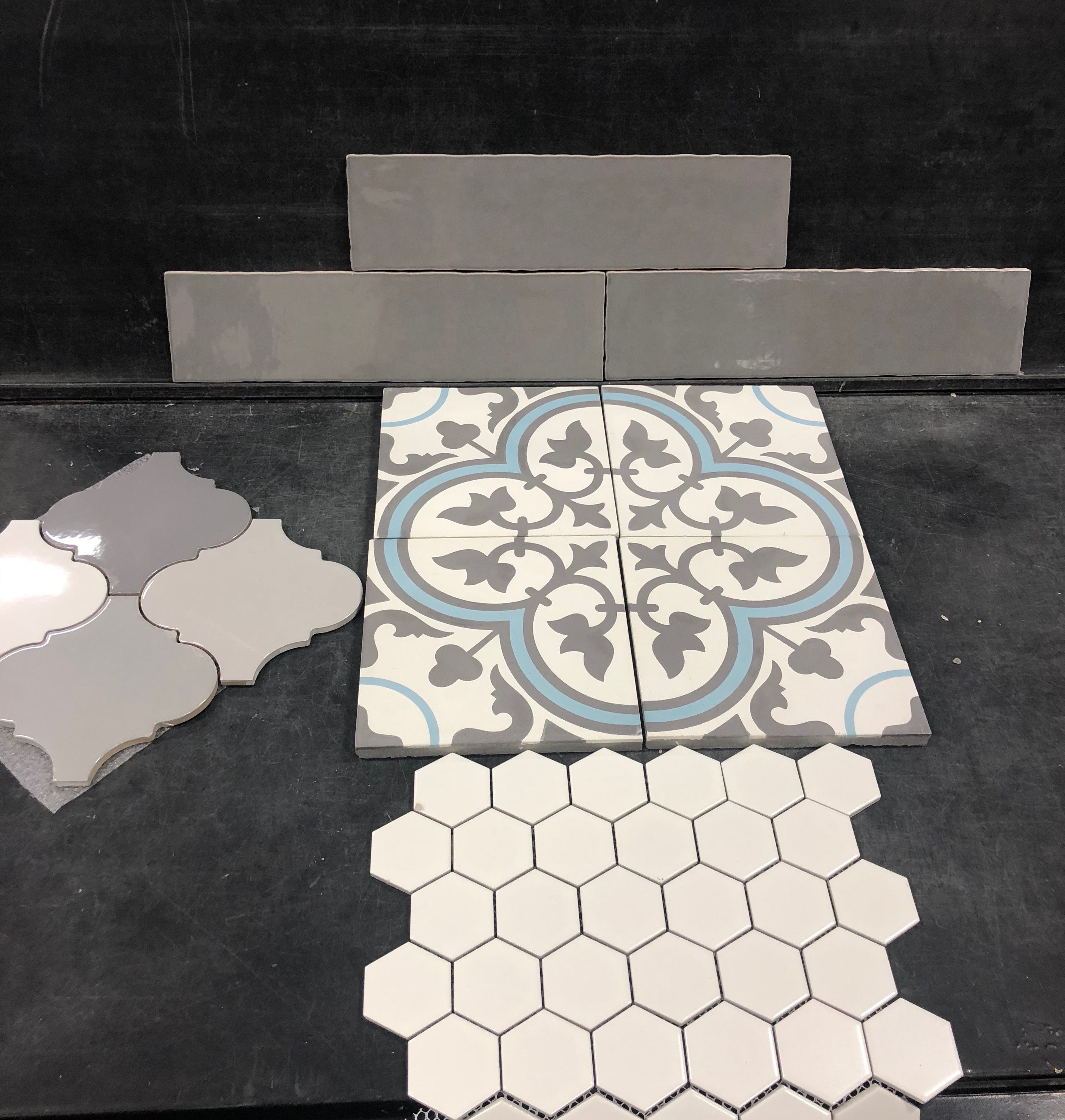 This Blue And White Tile Is So Pretty Pretty Bathrooms Decor Updating House