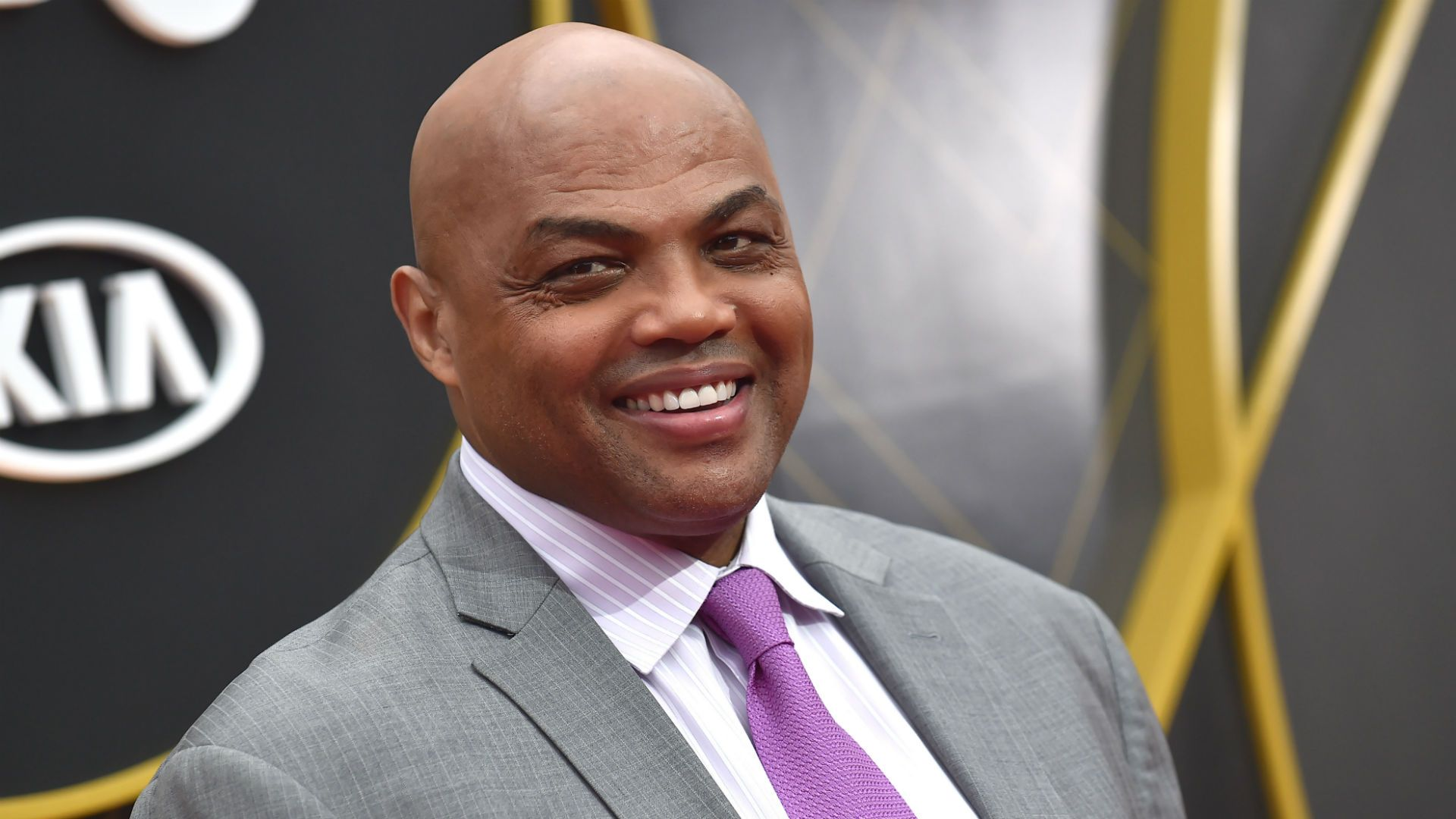 Charles Barkley Fires Back At Draymond Green Calls Him Least Famous Person In The Boy Band National Basketball Association News In 2020 Charles Barkley National Basketball Association Basketball Association