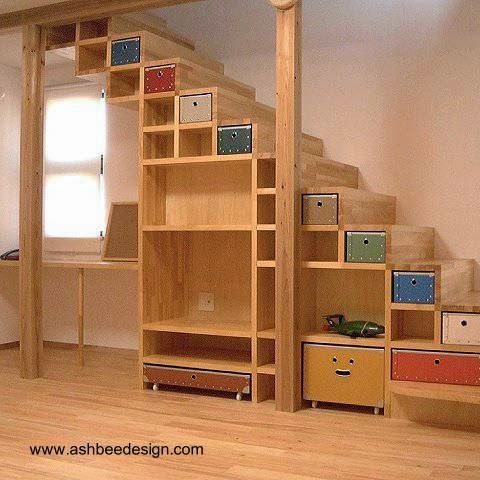 Dise o de mueble bajo escalera para almacenar en el hogar for Muebles para almacenar