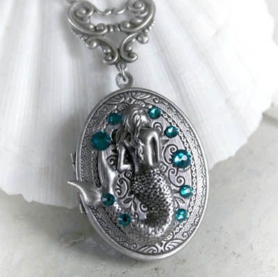 Starfina Scented Locket by Jessica Galbreth at The Vintage Angel. Starfina solid perfume by Johna Gibson Bowman.