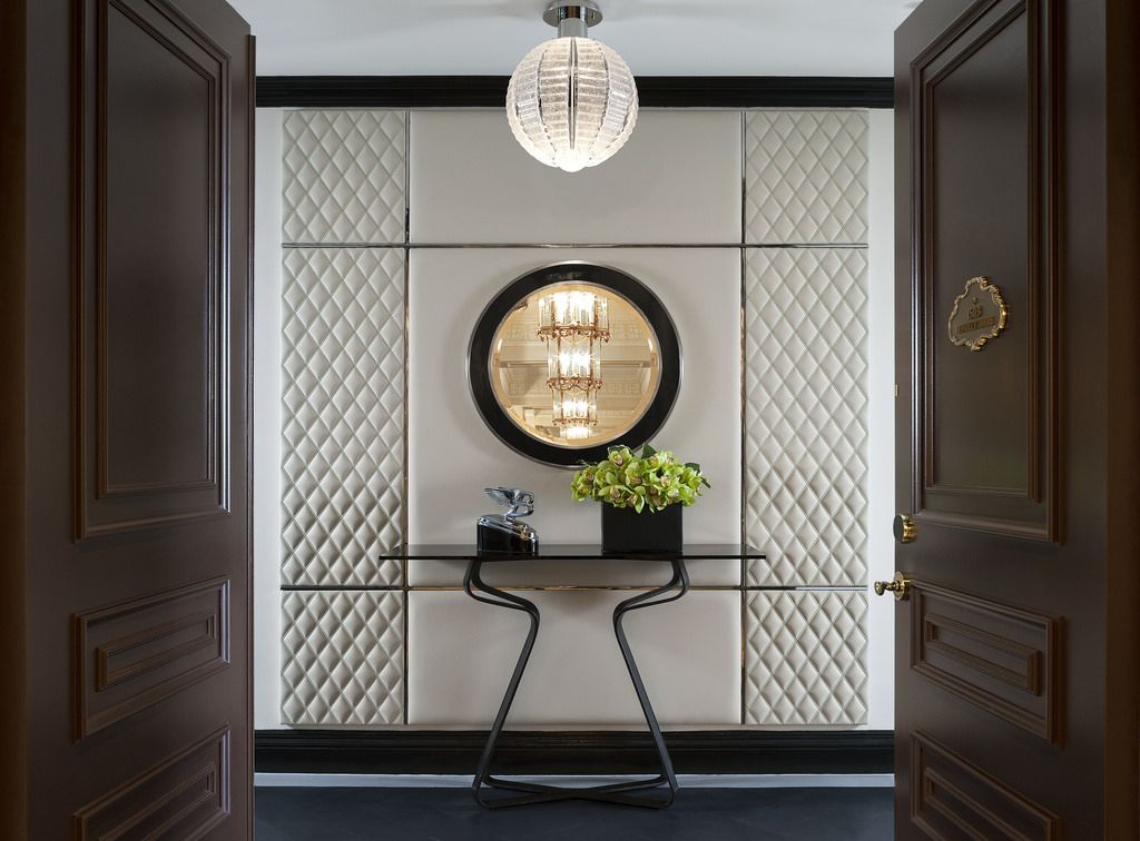 The st regis new york bentley suite entrance wall for Hotel foyer decor