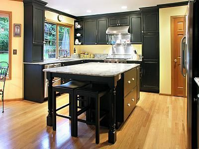 Example Of Black Cabinets W Oak Trim Maybe It Could Work Oak Trim Kitchen Inspirations Home Renovation