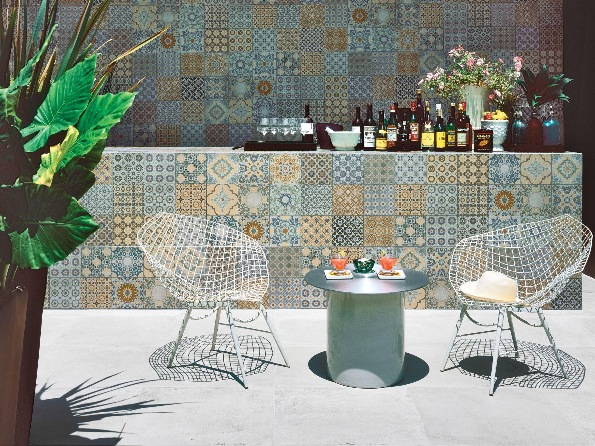 Espectaculares exteriores producto l nea murcia de for Azulejos para patios exteriores