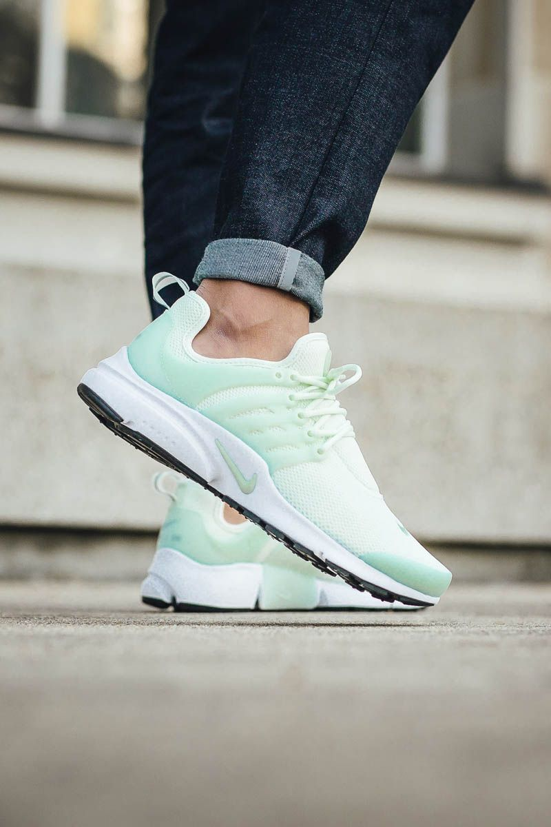 f7dfbc27f948 NIKE w Air Presto  Barely Green