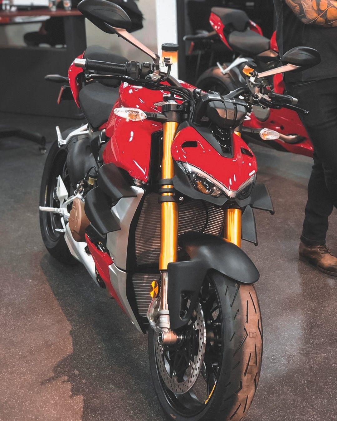 Ducati Streetfighter V4S in 2020   Ducati, Racing bikes