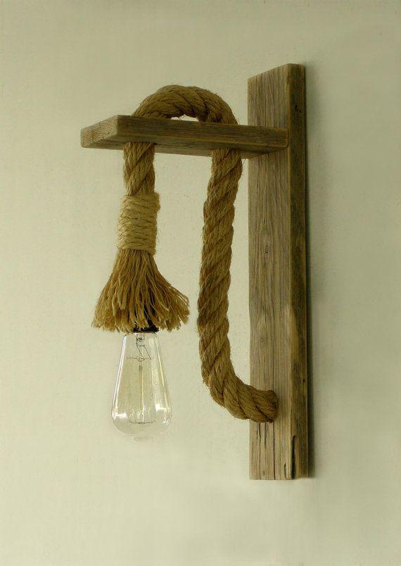Aplique de madera recuperada con cuerda l mpara de por - Lamparas y apliques rusticos ...