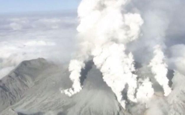 """#فيديو.. انفجار #بركان جبل """"أونتاك"""" في #اليابان  #مصر_العربية"""
