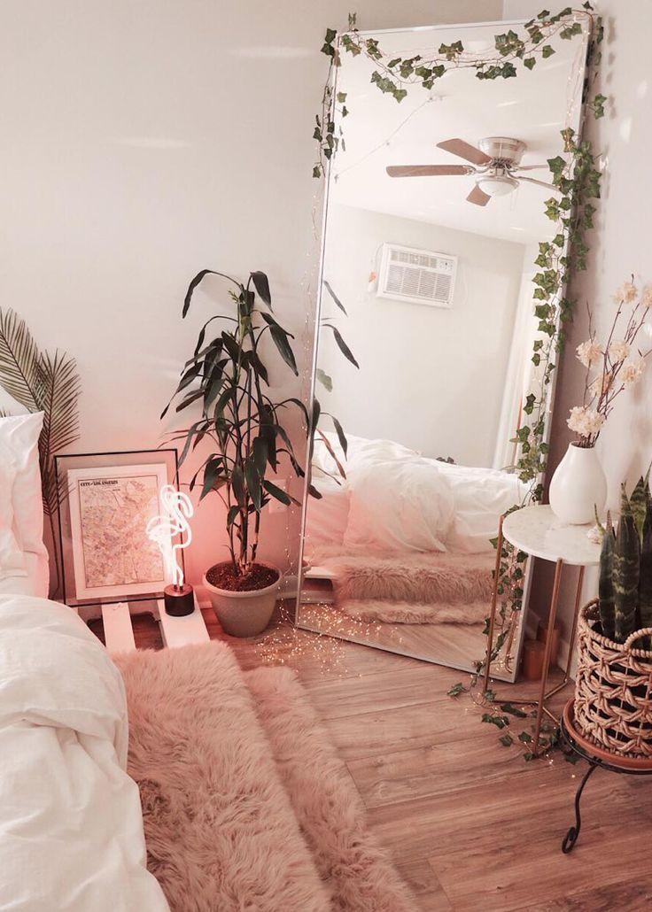 Flamingo Neon Desk Light -   11 room decor Boho urban ideas