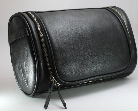 b18fbd65a9 Leather Shaving Kit   Hanging Travel Kit   Groom Toiletry Bag for Men    Tools Kit   Dopp Kit  cosmetic bag   mens kit   travel toiletries