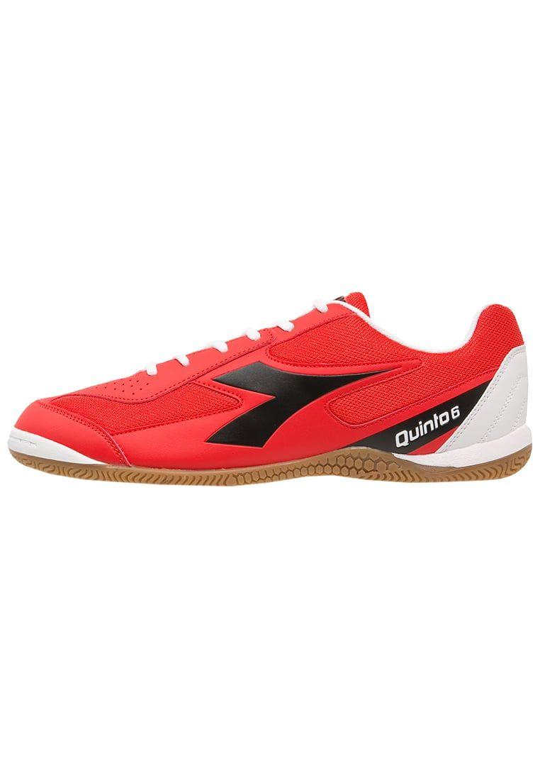 ¡Consigue este tipo de zapatillas fútbol de Diadora ahora! Haz clic para  ver los 4c61b5276b8d1