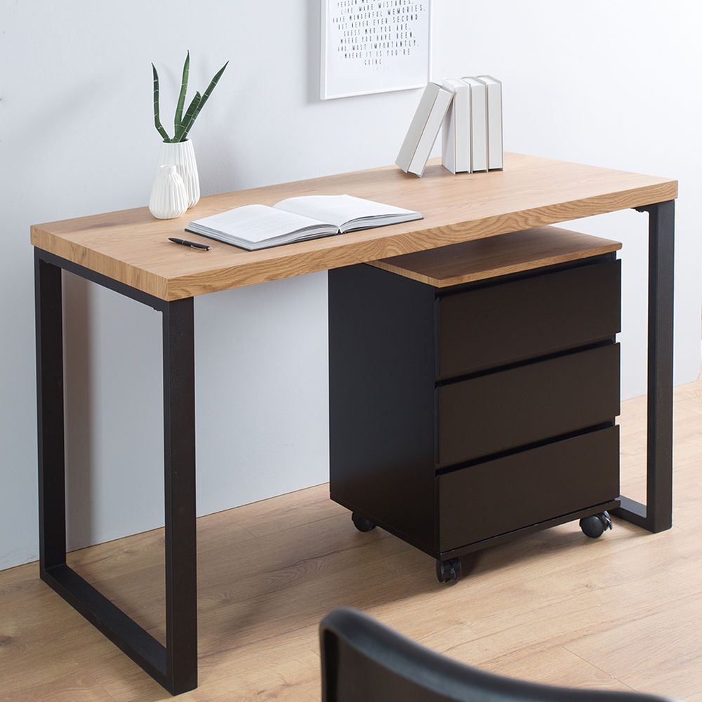Sofa Sessel Buromobel Tische Stuhle Lampen Leuchten Betten Accessoires Sale Moderner Schreibtisch Im Puri Design Schreibtisch Burotisch Design Black Desk