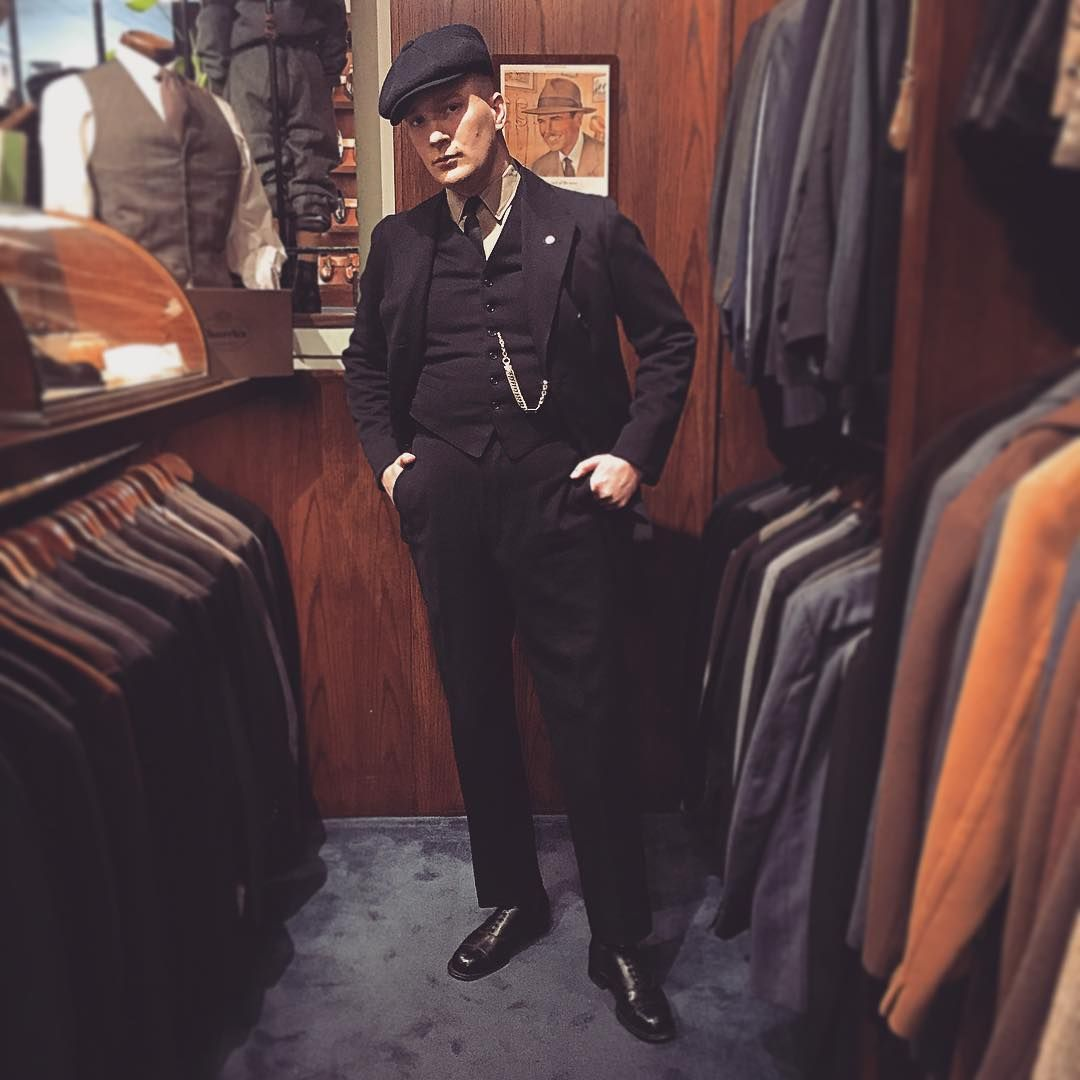 @h.arg in a 1910-1920s three piece suit. Bought from one of the other vintage menswear enthusiasts here in town, @joakimlindman.   #vintage #vintagesuit #menswear #mensvintage #mensfashion #dapper #dandy #welldressed #handmade