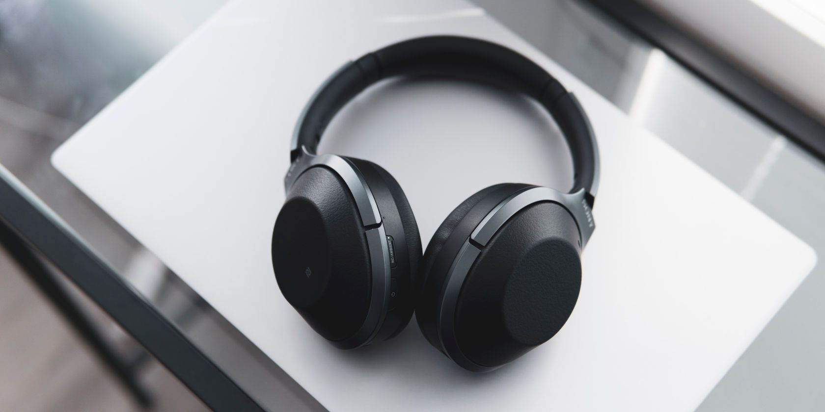 Heres Why Your Headphones Keep Breaking And What You Can Do Technology Tech Techtutorial Techie Headphones Top Bluetooth Headphones Best Headphones