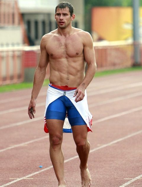 naked-athletes-track-and-field-008 | Athelets | Pinterest