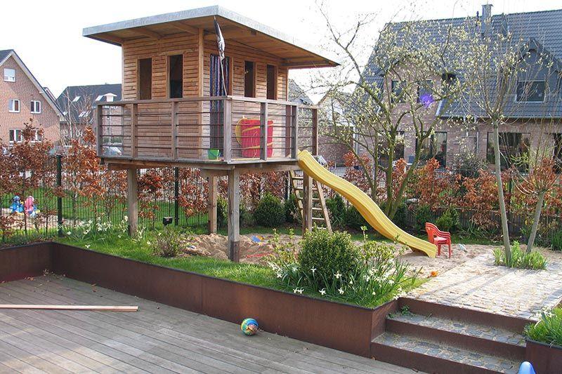 Referenzen Von Zanders Gartenbau Aus Viersen Traumhafte Garten Erfrischende Schwimmteiche Ge Spielhaus Garten Kinderspielhaus Garten Kinder Spielhaus Garten