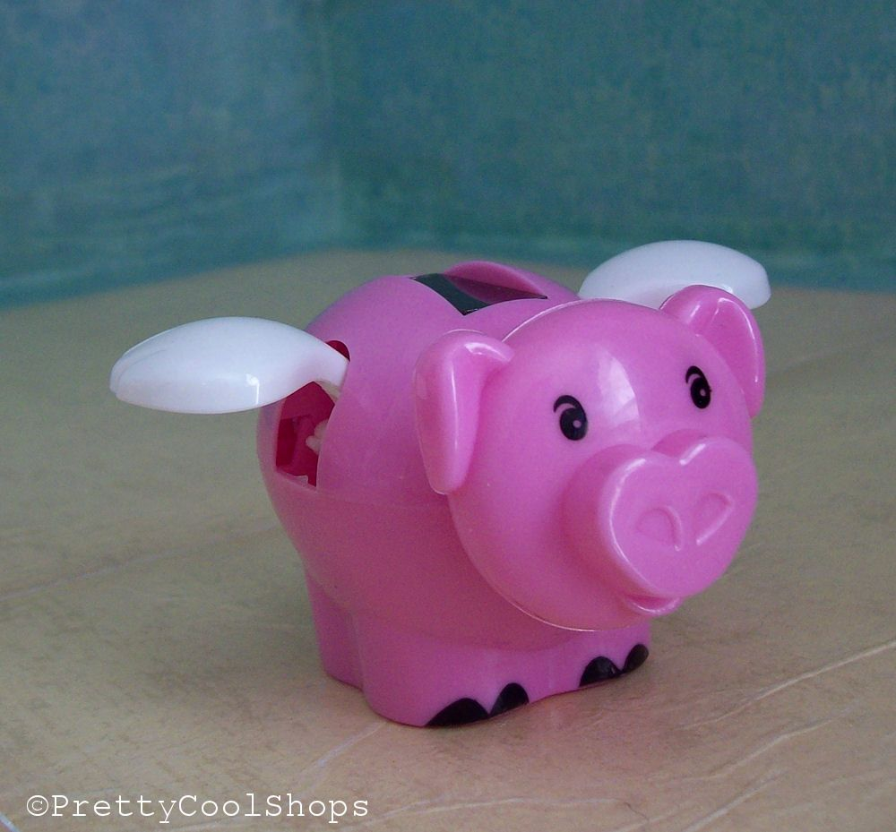 Solar Powered Flying Pig From Dollar Tree Sunlight Makes The Wings Flap Flying Pig Pig Decor Pig