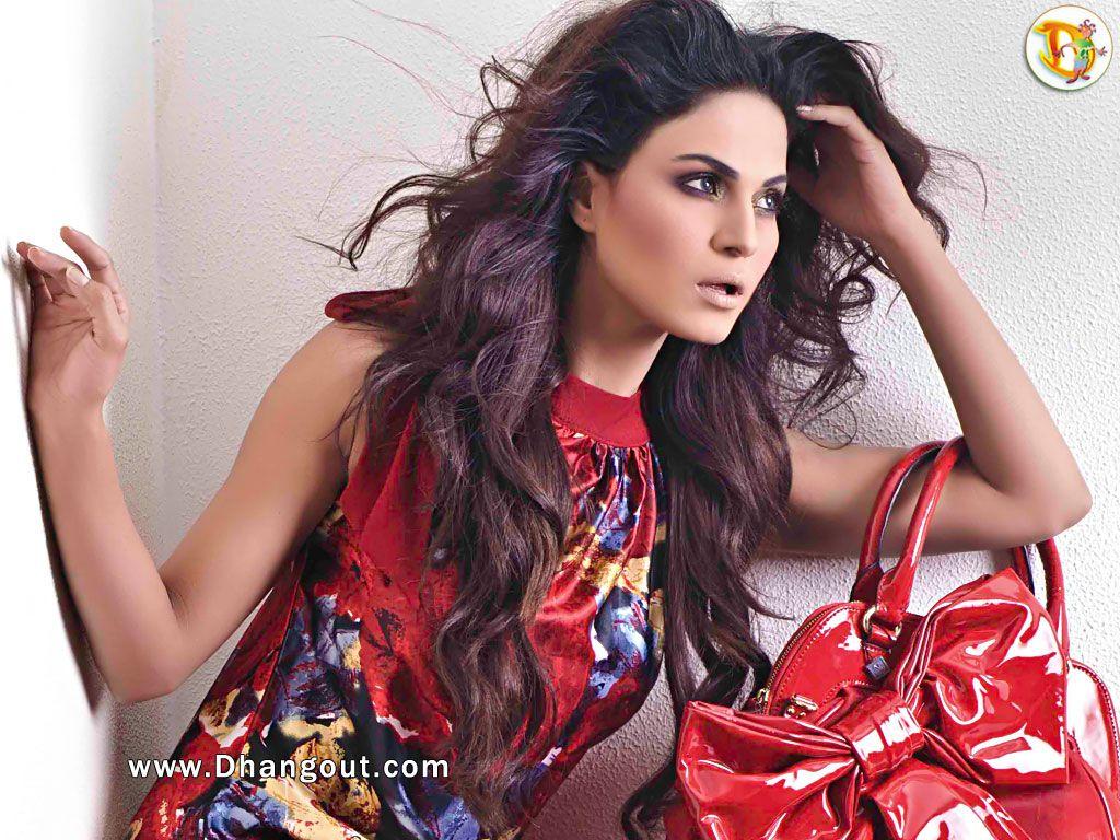 Veena Malik Photos Download Veena Malik Wallpapers 8647 Pics