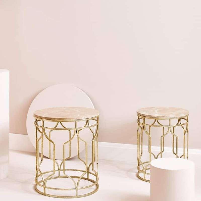 Marmor Tisch Mit Goldfarbener Struktur Set Aus Zwei Runden Beistelltischen Mit Goldfarbener Struktur Und Beigefar Dressing Table Decor Marble Table Zara Home