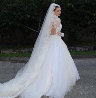 Blog da Guê Gouveia: Vestido de noiva usado por Nicole em Amor à Vida!!!