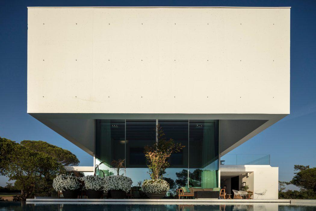 QL House by Visioarq Arquitectos | HomeAdore | Малые формы ...